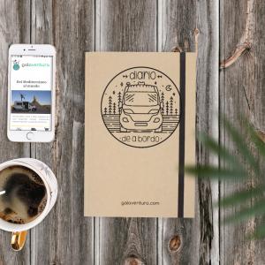 Libreta diario de a bordo de una furgoneta camper, hecha de carton natural